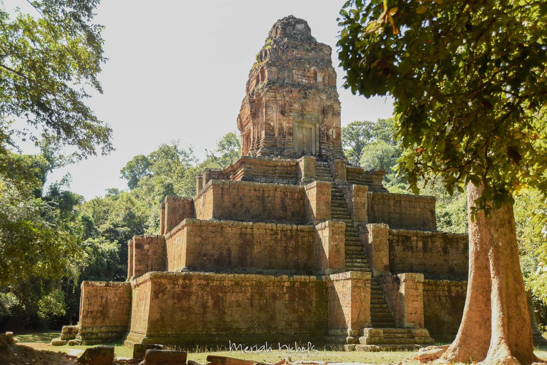 Bayan at Angkor Wat by Meriah Nichols-21
