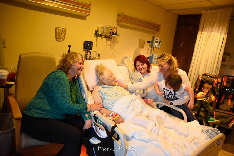 Mom, Grandma, my niece Yu Han, me and Moxie