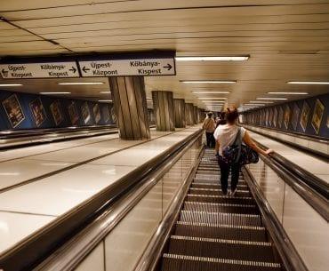budapest train station escalator