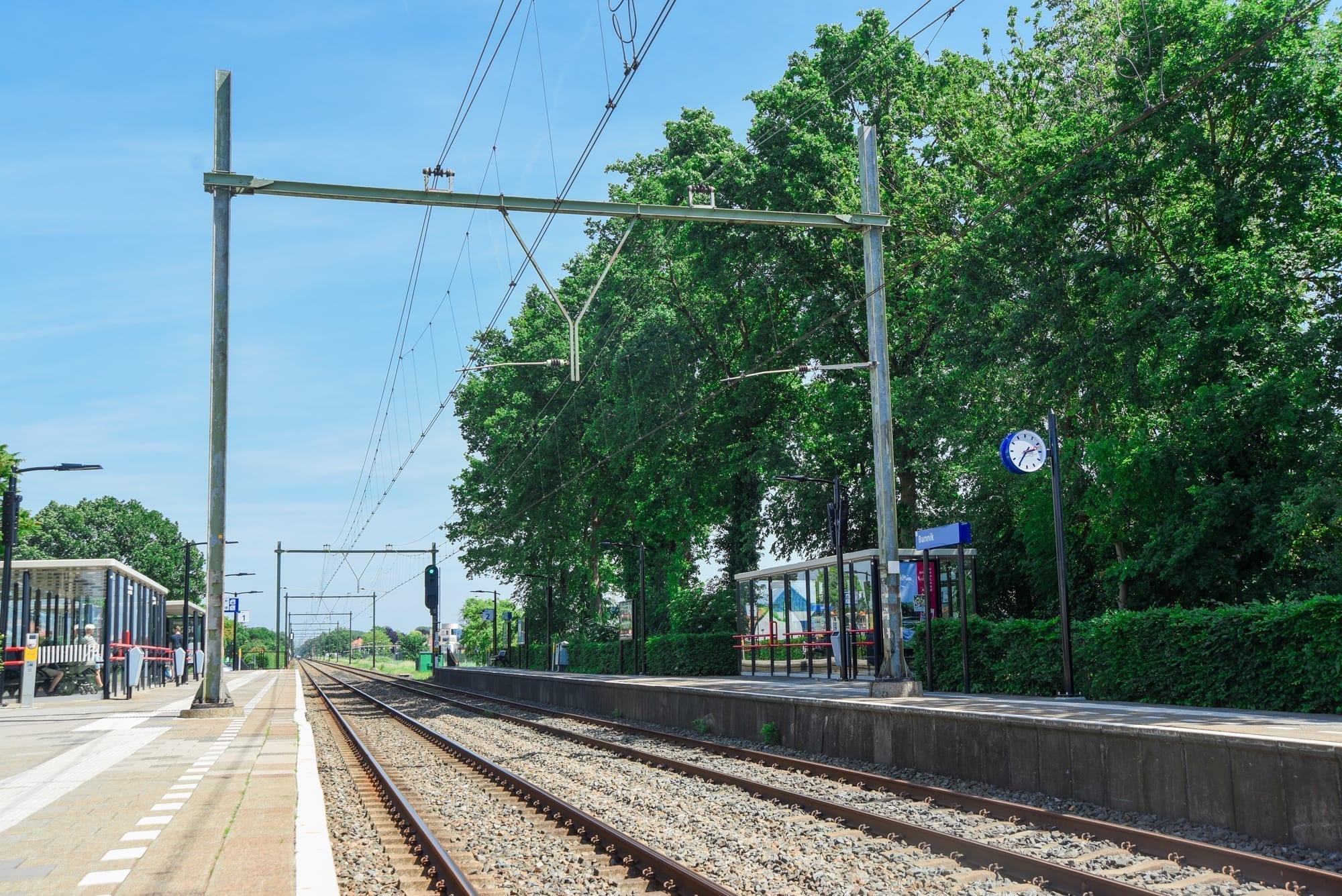 train platform in holland