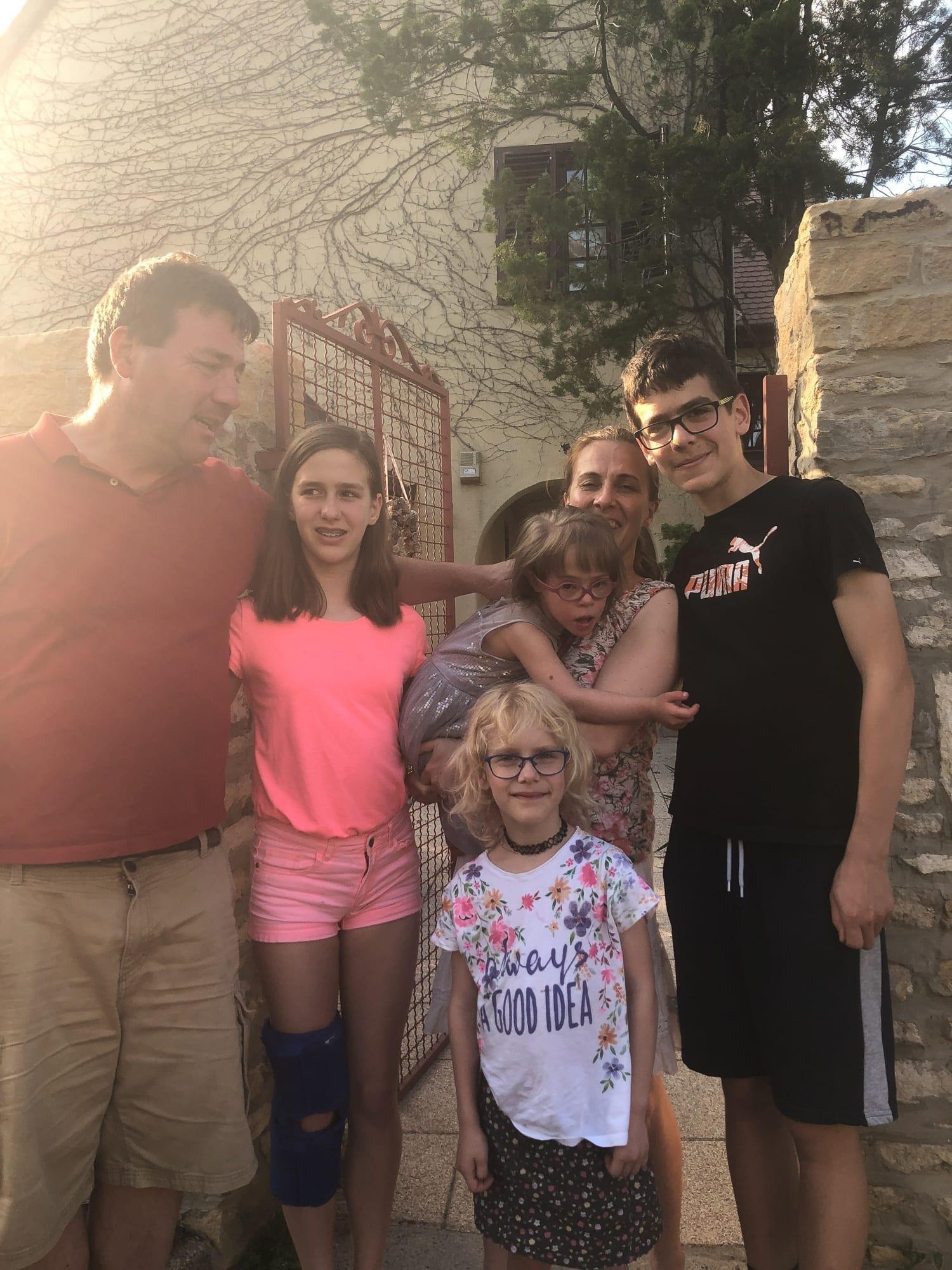 panka's beautiful family waves goodbye