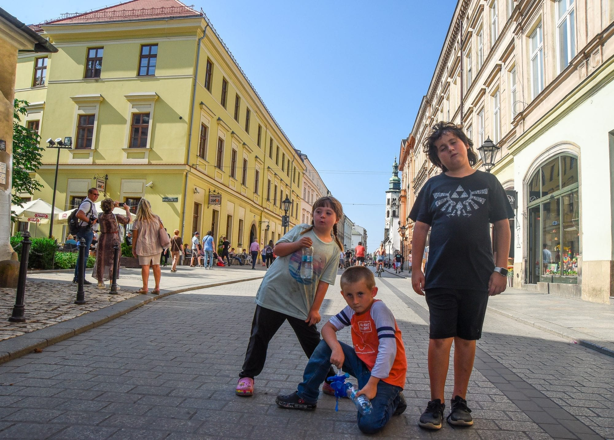 3 kids in the main market area