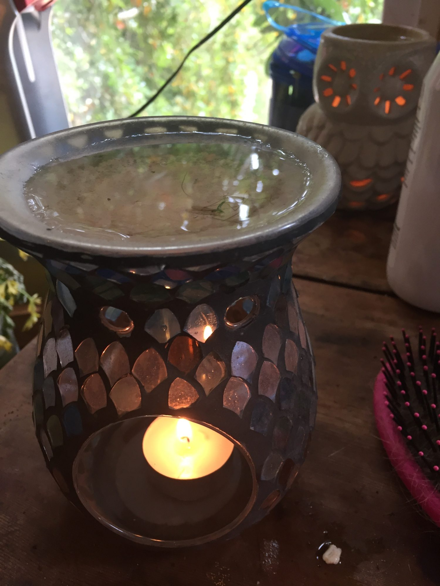 image of an essential oil burner