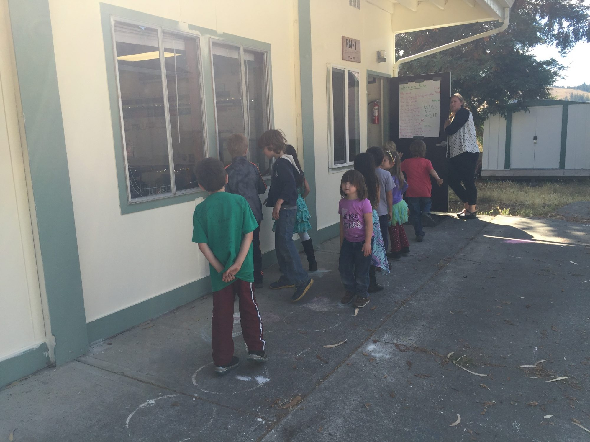 moxie's class lined up, going into class